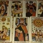 Jogo de Tarô por Makena Mwanajuma no site Raizes Espirituais