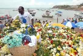 Rosas e flores são as principais oferendas para Yemanjá