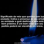 Vela queima com luz azulada